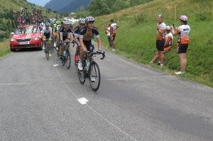 Matteo Trentin sta tirando il 2° gruppetto dei velocisti