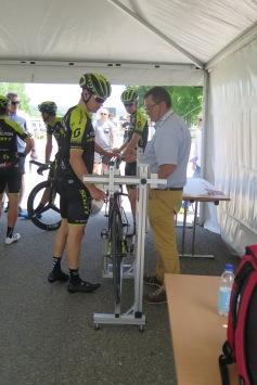 Misurazione del peso della bici